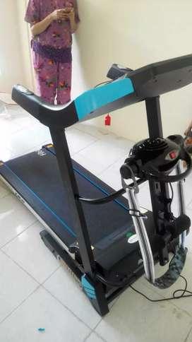 Treadmill elektrik Osaka doble deck ( garansi service 1 tahun )