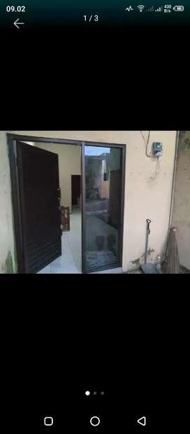 Dikontrakkan rumah di Sendangguwo