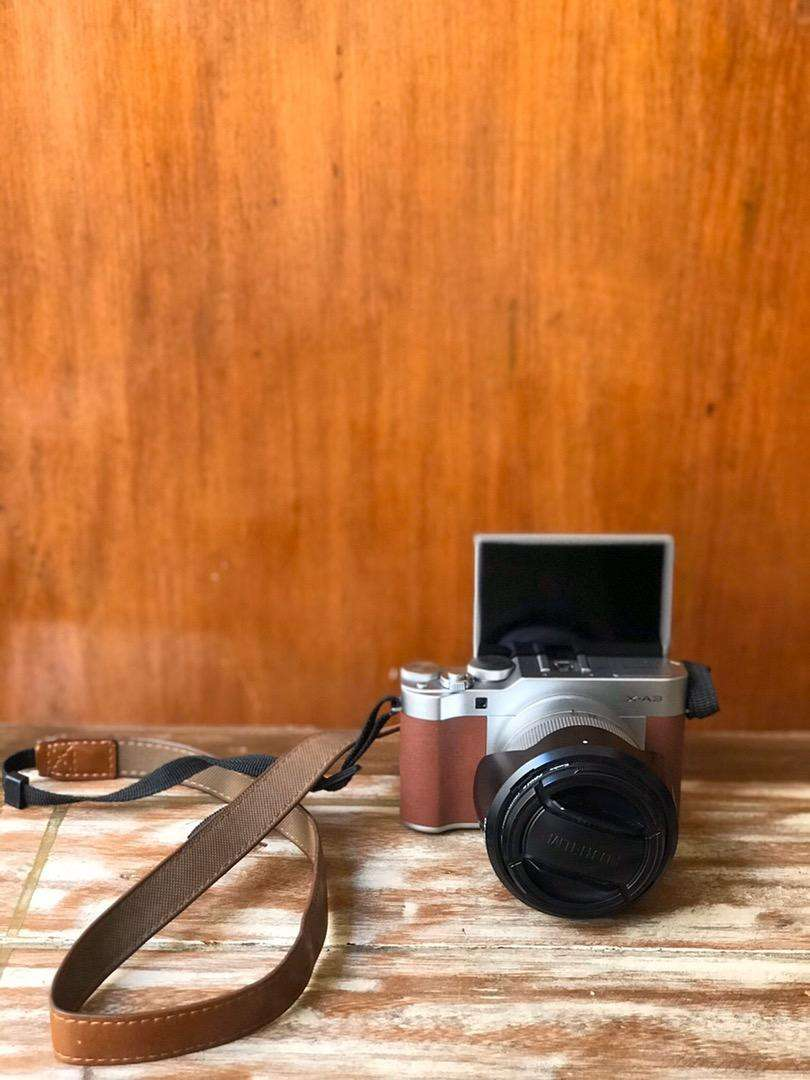 FUJIFILM XA 3 Camera!! Free leather case and Camera Bag!! 0