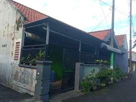 Dijual cepat rumah (Strategis dekat pintu masuk terminal Bungurasih)