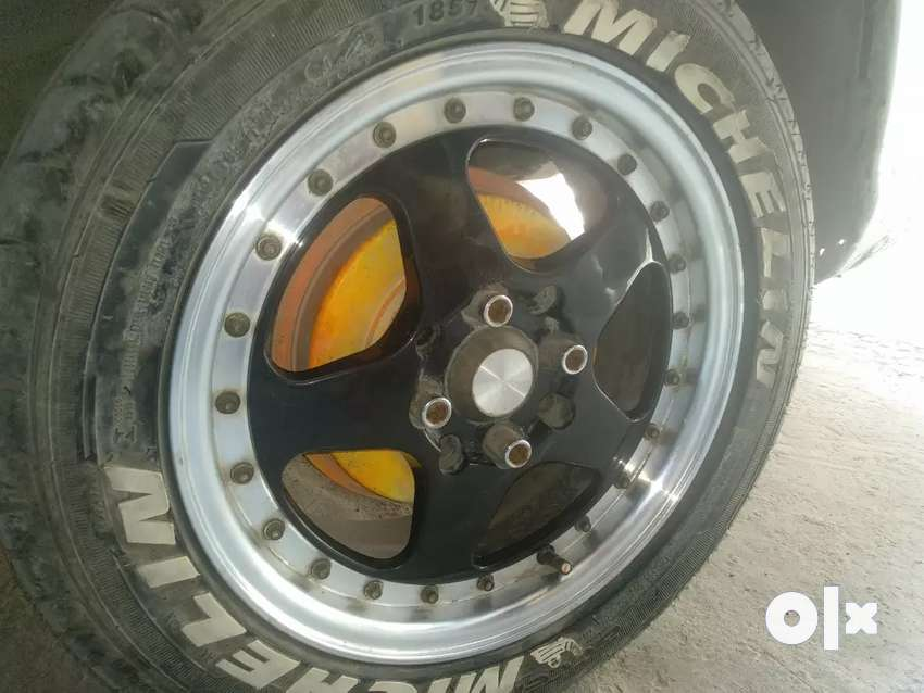8 month old alloys & 5000 km run tyre only