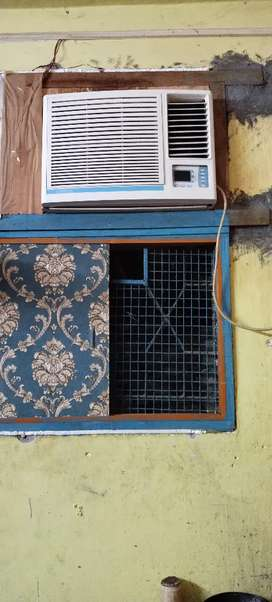 Very good condition sound less Ac 1Ton