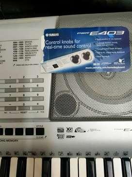 Yamaha PSR  e403 keyboard for sale