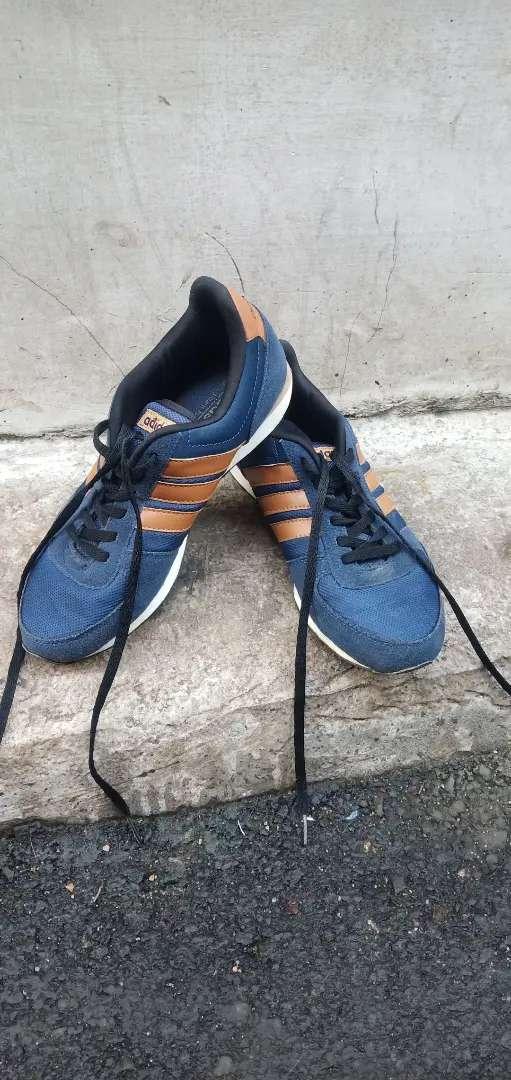 Sepatu Sneakers Adidas Size 40 0