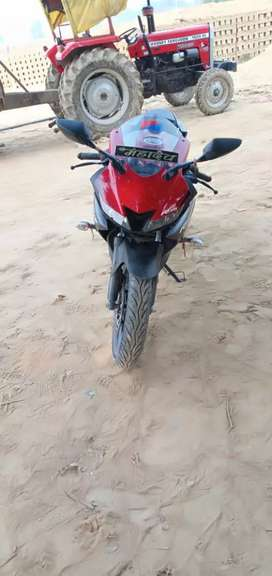 YAMAHA R15 V3 17MONTH OLD ALL PEPER