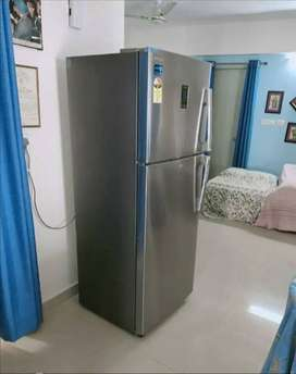 Fridge 290 litre double door Samsung company only 6 month old good con