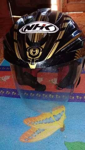 Helm NKH kuning hitam