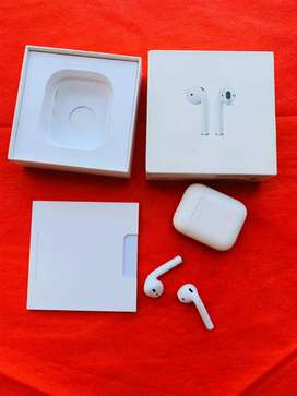 Apple Airpod 1 with bill box