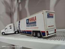 Delivery truck pahala kencana