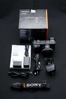 Sony a6300 kit 16-50mm Mulus Likenew Lengkap