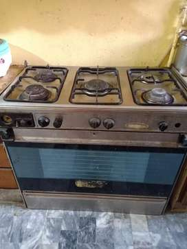 5 Stove Cooking Range With Baking Oven