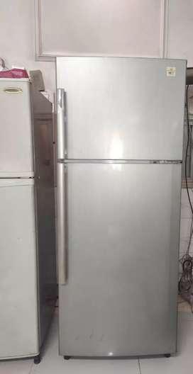 White Westinghouse Double door 361 litre