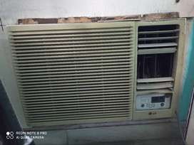 WIndow AC in excellent condition with remote