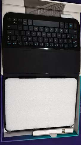 Logitech protective case with integrated keyboard