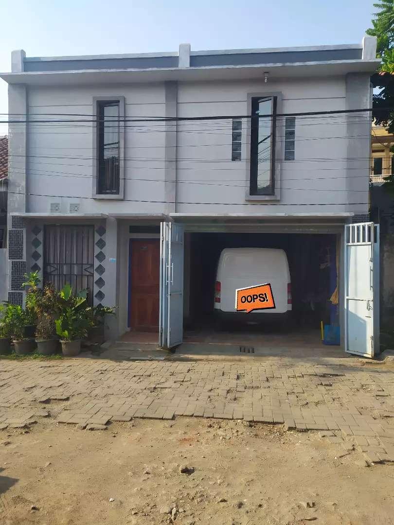 WTS Rumah 2 lantai 4 kamar ada garasi 0