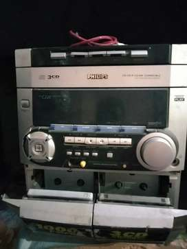Philips music system and CD player very good condition