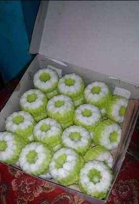 Melayani pesanan aneka kue & nasi kotak