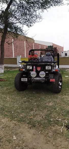 Willy open jeep