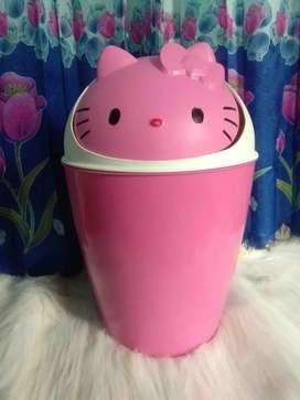 Tempat Sampah Hello Kitty