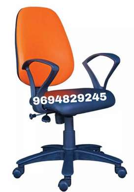 New rolling office chair