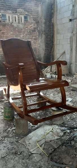 Kursi goyang / pensiunan elagant, kayu jati finis natural, free ongkir