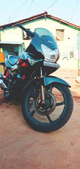 Mint condition Karizma R,(with new Exide battery,and Apollo rear Tyre)