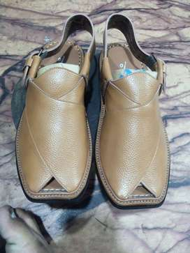 Brand new hand made Peshawari Chappals with 13 Chitrali Caps