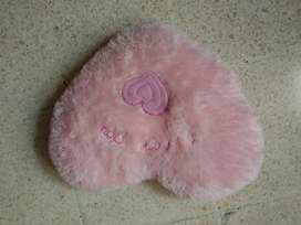 boneka love hati bantal love