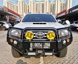Toyota Hilux V A/T 2016 KM 8rb ANTIK