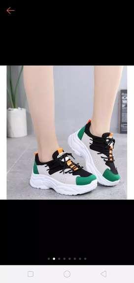 Sepatu sport import SP-105