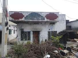 A old house near masjid Auto  Nagar main road