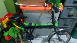 Sepeda lipat merek aloeca