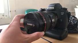 Canon 6D Body Only + Bat Grip