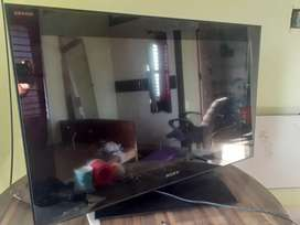 32 inch Sony LCD for sale
