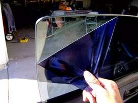 Kaca film original pekat dari luar Merk 3M memliliki tampilan