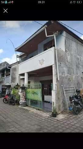 Dijual Rumah lantai 2 di Cokroaminoto-Ubung
