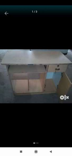 Computer with study table