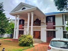 thrissur poogunam 25 cent grand 4 bhk villa