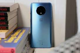 One plus 7T phone comes with 6 months seller warranty bill, box and al