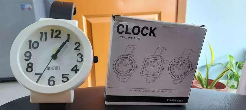 Alarm Clock Merk HS CLOCK