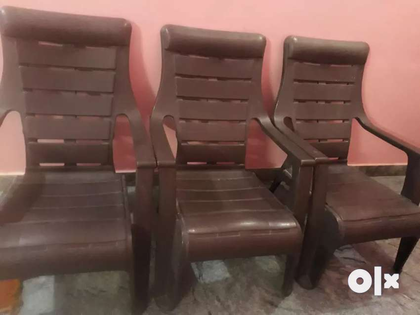Flexible chairs.2 months used 0