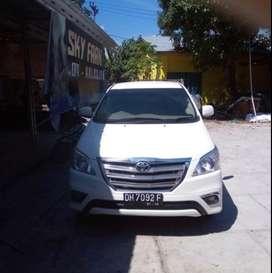 Toyota innova type G bensin, KM rendah white