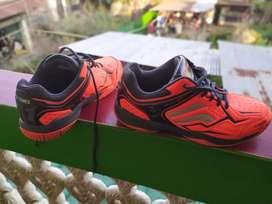 Badminton Yonex shoes no.7 in good condition