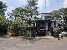 Rumah tanah besar hoek Kebun Raya Residence
