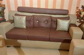 Leather wood sofa 6 seater bilcul new 100 % good condition