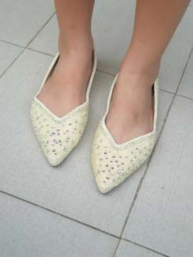 Sepatu XML - Brokenwhite