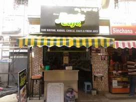Running restaurant for sale only rs 330000 with 1bhk room