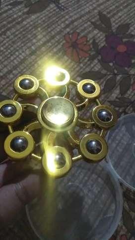 Golden 8 bladed fridgit spinner