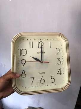 Dijual jam dinding