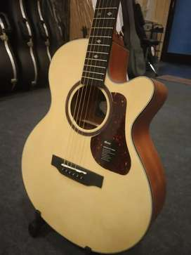 """Brand NEW(Not opened) """"Mantic GT1 ac"""" Acoustic guitar"""